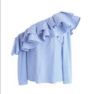 Chicwish Ruffled Off the Shoulder blouse